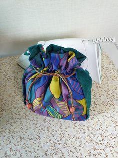 버킷백 만들어보자구요☆ 조리개파우치만드는법☆가방사이즈까지~ : 네이버 블로그 Bucket Bag, Bean Bag Chair, Sewing, Fabric, Ankara, Tote Bags, Linen Fabric, Tejido, Dressmaking
