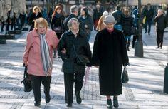 Пензионери морају да врате држави део пензија - http://www.vaseljenska.com/drustvo/penzioneri-moraju-da-vrate-drzavi-deo-penzija/