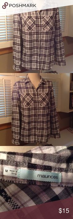 Maurice's Flannel Button Down Shirt Grey , black & white. Cute gently Preowned flannel Maurices Tops Button Down Shirts