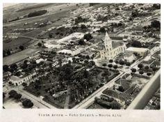 Foto aérea da cidade de Monte Alto. Em primeiro plano a Praça da Matriz.
