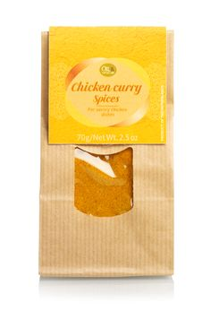 Spicy curry spices with turmeric, paprika and a whiff of ginger and cumin. This aromatic spice blend is perfect for marinating chicken pieces, adds a spicy accent to a couscous salad or makes – mixed with sour cream – a tasteful vegetable dip.