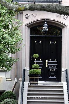 thefullerview: Back Bay Boston / Black Lacquer Doorway / David Fuller Photo Grand Entrance, Entrance Doors, Doorway, Door Design, Exterior Design, Interior And Exterior, House Design, Black Front Doors, Red Doors