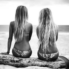 Beach Hair :: Natural Waves :: Brunette + Blonde :: Summer Highlights :: Messy Manes :: Long Locks :: Discover more DIY Easy Hairstyle Photography + Style Inspiration Summer Sun, Summer Of Love, Summer Vibes, Summer Hair, Summer Body, Summer 2016, Summer Beach, Bikini Shop, The Bikini