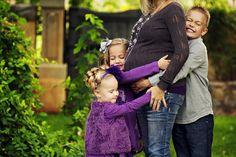 Maternity Photo Posing Ideas & Tips