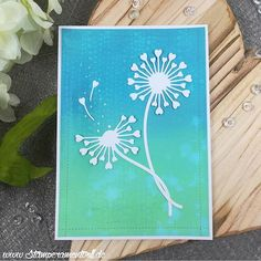 This card I made with a background from my stash. When the #distressoxide inks were released I tried some techniques with those inks which did not turned out as I wanted. This is what I created now. Happy Mothers day! #card #cards #cardmaking #crafting #papercraft #papercrafting #stamps #stamping #handmade #handmadecards #karte #kartenbasteln #kartendesign #stempeln #stempel #basteln #kartengestaltung