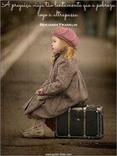 "color ""splash"" / little traveler hat Little People, Little Ones, Little Girls, Precious Children, Beautiful Children, Cute Kids, Cute Babies, Foto Baby, Jolie Photo"