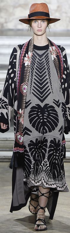Temperley London Collection Spring 2016 Ready-to-Wear