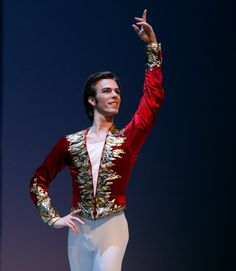 Male ballet costume- Red and Gold Nutcracker Costumes, Ballet Costumes, Boy Costumes, Dance Costumes, Costumes For Women, Costume Ideas, Ballet Boys, Male Ballet Dancers, Ballet Performances