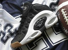 Reebok will re-release Emmitt Smith s shoe in two OG colorways on November fbe28aecc