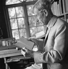 Leonard Woolf at Rodmell (Gisèle Freund, 1965)