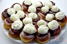Bavorské vdolečky jako peříčko – Recepti Slovak Recipes, Czech Recipes, Russian Recipes, Small Desserts, Cookie Desserts, Holiday Desserts, Czech Desserts, Sweets Cake, Healthy Diet Recipes