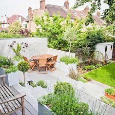 Breathtaking Contemporary Garden Design Traditional Patio with London Garden… Landscaping With Rocks, Modern Landscaping, Landscaping Ideas, Backyard Landscaping, Contemporary Garden Design, Landscape Design, Sloped Garden, Outdoor Seating Areas, Terrace Garden