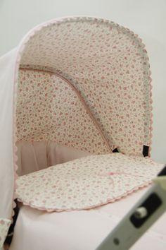 kiddings . Detalle capotita Bugaboo Donkey, Prams, Linen Bedding, Diy For Kids, Bassinet, Linens, Kids Room, Objects, Nursery