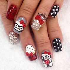 I typically am not crazy about hello kitty nails but absolutely love these! I think these are super cute!