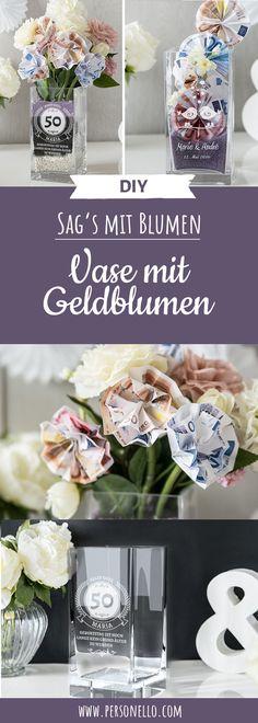Die Vase als Geldgeschenk. Für die meisten ist Geld ein herzlich willkommenes Geschenk. Aber sind Geldgeschenke nicht zu unpersönlich? - Das müssen Sie nicht! Unsere Vase mit persönlicher Gravur eignet sich super als Verpackung für deine Geschenkidee. Wenn du basteln möchtest kannst du bspw. Geldscheine zu Blumen falten um die Vase noch weiter zu verschönern.