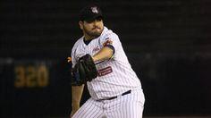 UN REGIO LIGAMAYORISTA REGRESA A CASA Con su experiencia de 10 temporadas en Grandes Ligas, el pitcher derecho Edgar González se suma al campamento de los regios.
