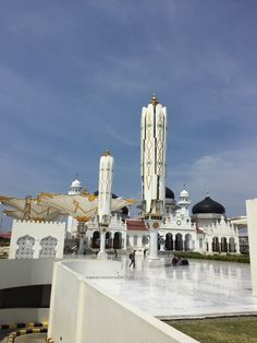 Moschee Orang Utan, Location, New York Skyline, Travel, Mosque, Indonesia, Round Trip, National Forest, Island
