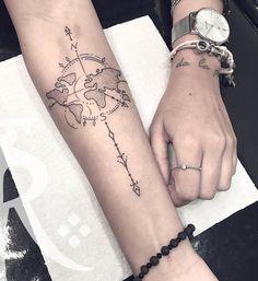 Tatuagem criada por Renan Sampaio de Uberlândia.    Flecha com mapa mundi em blackwork no braço. Map Tattoos, Tatoos, Hair And Beard Styles, Tatting, Piercings, Tattoo Designs, Blackwork, Blog, Delicate Feminine Tattoos