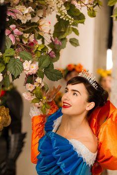 mirror mirror lily collins  | Lily Collins in Mirror Mirror (2012) Movie Image | BeyondHollywood.com