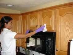 How To Clean Grease From Kitchen Cabinet Doors White Vinegar - Clean kitchen cabinets wood