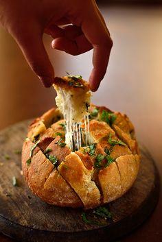 Cheesy Garlicky Pull Apart Bread