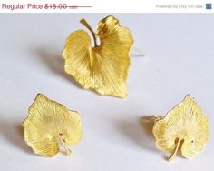 Vintage Earrings Leaves Brooch Set Gold Tone Clip on Bridal Party Wedding Special Occasion Gift Idea Christmas Holiday Birthday Anniversary