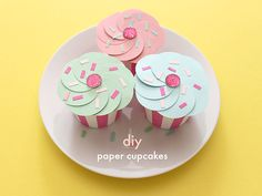 These DIY paper cupcakes are perfect for party favors!