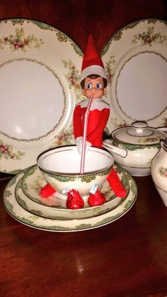 Elf on the shelf ideas. 2014 #elfontheshelf #Elfie #teatime