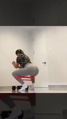 5 Full Body Workout for Women. At home Full Body workout. Butt Workout, Gym Workouts, At Home Workouts, At Home Workout Plan, Body Fitness, Workout Challenge, Workout Videos, Fitness Inspiration, Fit Women