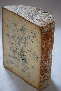 Stilton - so sexy Fromage Cheese, Queso Cheese, Stilton Cheese, Milk And Cheese, Wine Cheese, Charcuterie, Fondue, Tapas, English Cheese