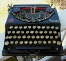 Remington Portable Typewriter No 1 Pop Up Carriage 1920s  -- Prop research (Thoroughly Modern Millie)