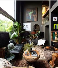 Black living room decor ideas in 2019 Dark Living Rooms, Interior Design Living Room, Living Room Designs, Living Room Decor, Living Spaces, Modern Living, Interior Decorating, Decorating Ideas, Dark Rooms
