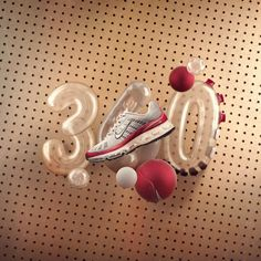In the Air Max 360 pushed the boundaries of design to provide 360 degrees of Nike Air cushioning. Nike Heels, Nike Wedges, New Nike Shoes, Air Max Essential, Air Max 360, Nike Design, 3d Design, Nike Motivation, Nike Headbands