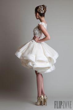 Krikor Jabotian Automne-Hiver 2013-2014 - Haute couture - http://fr.flip-zone.com/fashion/couture-1/independant-designers/krikor-jabotian-4063