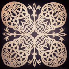 Day of the dead paper snowflake pattern/template Paper Snowflake Template, Paper Snowflake Patterns, Origami Templates, Paper Snowflakes, Box Templates, Halloween Paper Crafts, Holiday Crafts, Kirigami, Quilling
