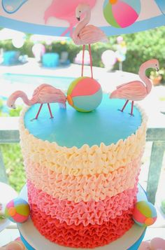 If you are throwing a Flamingo Party.you are going to want to check out today's collection of DIY Pink Flamingo Party Ideas! Everything you need for the party! Pink Flamingo Party, Flamingo Cake, Flamingo Birthday, Pink Flamingos, Flamingo Pool, Flamingo Decor, Bolos Pool Party, Pool Party Cakes, Luau Party