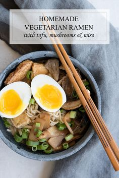 Best Healthy Vegetarian Ramen Recipe with Tofu, Bamboo, Mushrooms & Miso via @sideofsweet