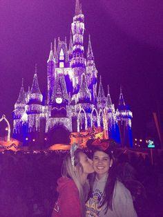 Quero fazer com a minha bff @giovanna9981 lá no Magic Kingdom (um dos parques da Disney)
