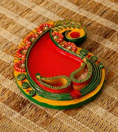 Thali Decoration Ideas, Diy Diwali Decorations, Festival Decorations, Clay Wall Art, Clay Art, Acrylic Rangoli, Diwali Celebration, Wine Bottle Art, Indian Crafts