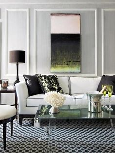 Chic white couch w black piping
