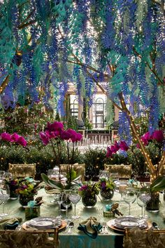 This paper foliage and flower installation at Longwood Gardens is included in 35 Stunning Paper Flower Examples. Outdoor Table Settings, Outdoor Tables, Outdoor Decor, Philadelphia Flower Show, Flower Installation, Christmas Entertaining, Longwood Gardens, Beautiful Table Settings, Paper Cutting