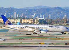 United Airlines Settles With Passenger Dragged From Plane