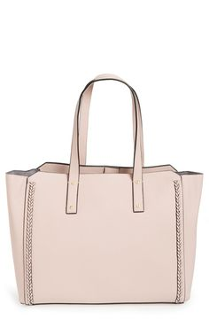 ec512a206aa2 Taking this gorgeous tote from workday to weekend in style while  effortlessly charging the phone on