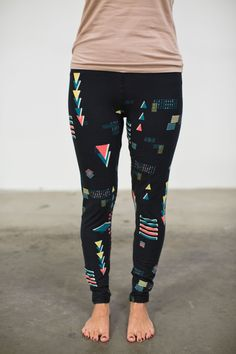 BLACK 90'S ONE SIZE LEGGINGS — LuLaRoe