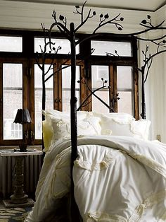 Forest Canopy Bed (http://blog.hgtv.com/design/2013/09/18/daily-delight-forest-canopy-bed/?soc=pinterest)