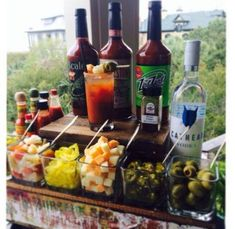 Bloody Mary Bar, perfect for a brunch event or before wedding. Bloody Mary Bar, Bar Drinks, Yummy Drinks, Beverages, Beverage Bars, Juice Drinks, Brunch Recipes, Cocktail Recipes, Margarita Recipes