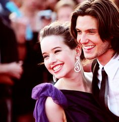 Anna Popplewell and Ben Barnes. Prince Caspian and Susan would be so durn cute. (: