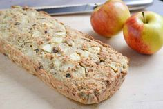 Dit warme broodje vervult jouw appeltaart-behoefte: het is een suikervrije appelcake, zo gezond, dat je hem kunt eten wanneer je wilt!