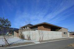 池田の家 | 株式会社SYNC Garage House, House 2, Facade, Architecture Design, Exterior, Landscape, Outdoor Decor, Modern, Home Decor
