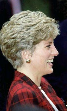 short hairstyle mature women